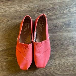 TOMS Magenta/pink shoes